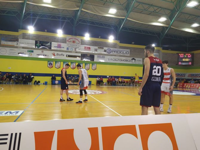 Fase del match tra Olimpo Basket Alba-Basket Cecina